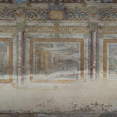 Rilievi affreschi