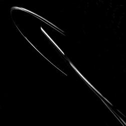 LUCI E LINEE - Immagini che riducono gli oggetti alle loro linee essenziali, minimaliste,  talvolta solo ombre, talvolta solo dettagli, arrivando sino a rappresentazioni astratte.