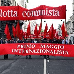 Milano, manifestazione del 1° maggio 2013, assembramento del corteo ai Bastioni di Porta Venezia