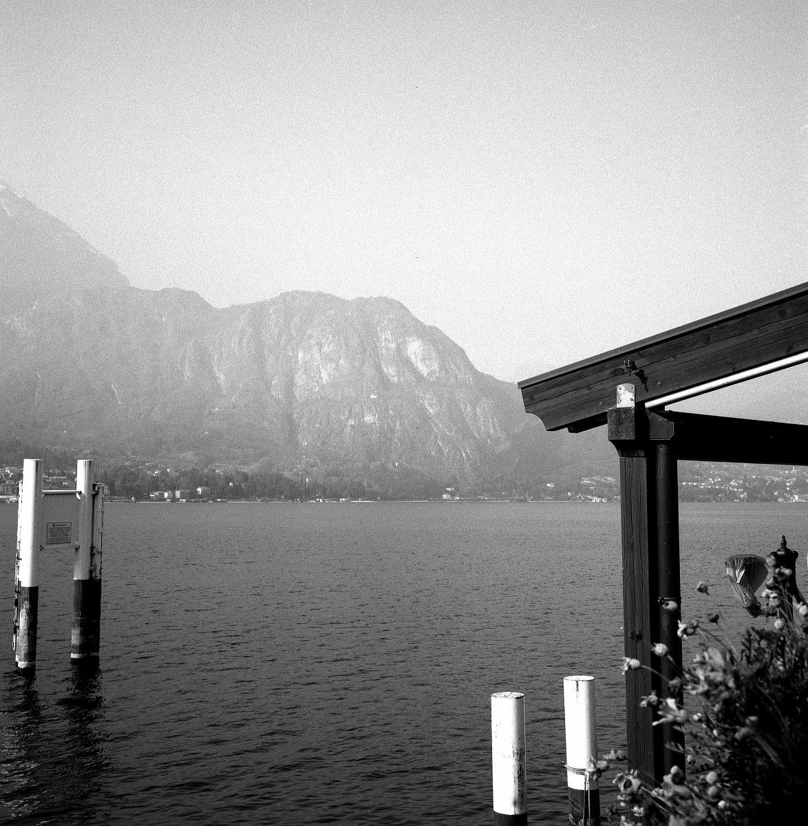 Ritrovando il piacere della pellicola - Rolleiflex Planar 3.5 - Kodak TRIX 400 a 1600 ASA - BELLAGIO