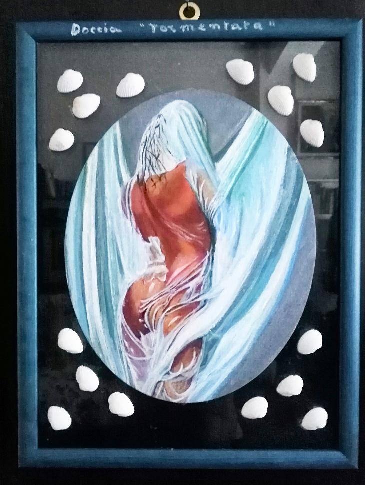 """doccia tormentata - Ovale 24 X 18 . tecniche miste . Finita in data 01/08/2018 . Ispirata da una fotografia di particolare bellezza del fotografo Fontana , mostra un momento intimo e """" tormentato """"."""